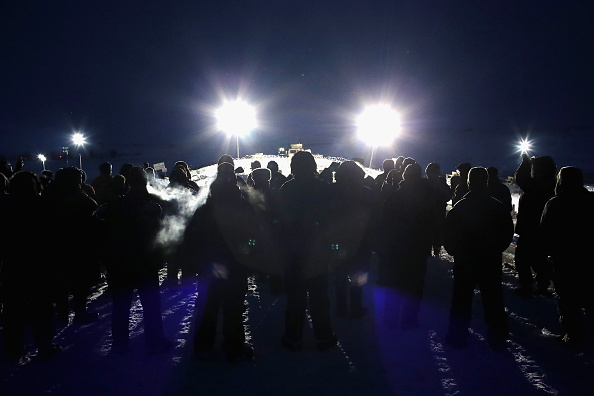 対決「Protests Continue At Standing Rock Sioux Reservation Over Dakota Pipeline Access Project」:写真・画像(14)[壁紙.com]