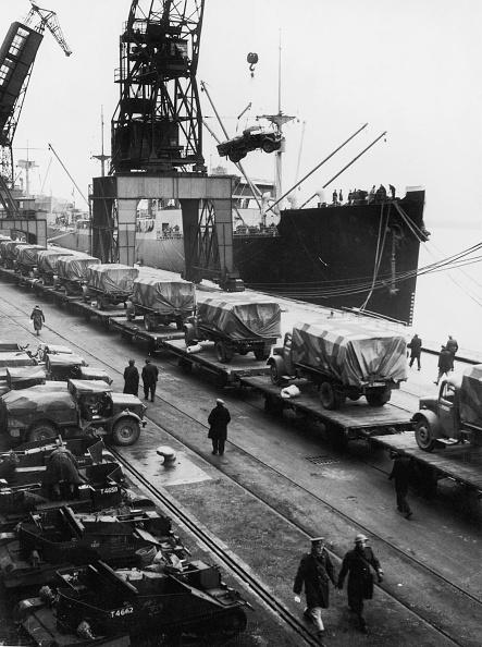 Loading「Wartime Cargo」:写真・画像(17)[壁紙.com]