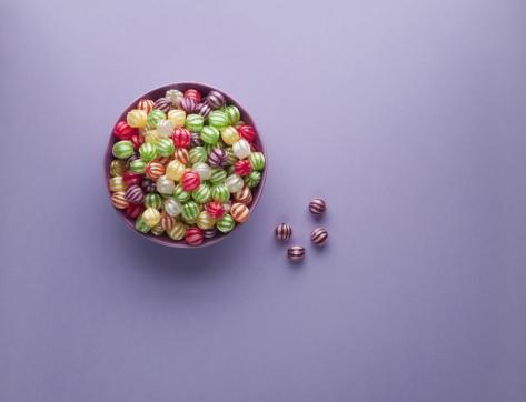 Hard Candy「Vibrant hard candy in bowl」:スマホ壁紙(15)