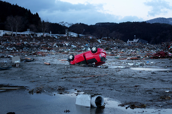 Tsunami「Japan In Crisis After Earthquake And Tsunami Devastates」:写真・画像(16)[壁紙.com]