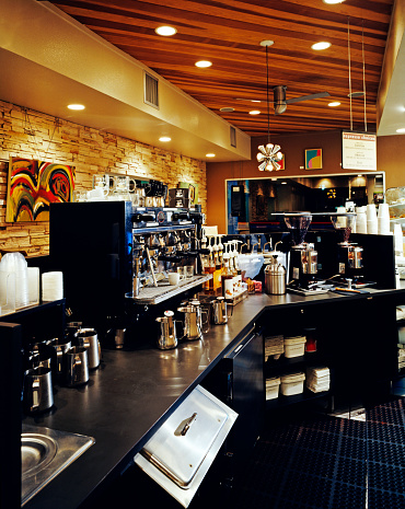 Ceiling Fan「Metal mugs are seen near the coffee maker in the coffee bar」:スマホ壁紙(9)