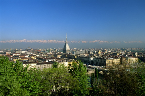 Piedmont - Italy「Italy,Turin skyline,Italian Alps on horizon」:スマホ壁紙(10)
