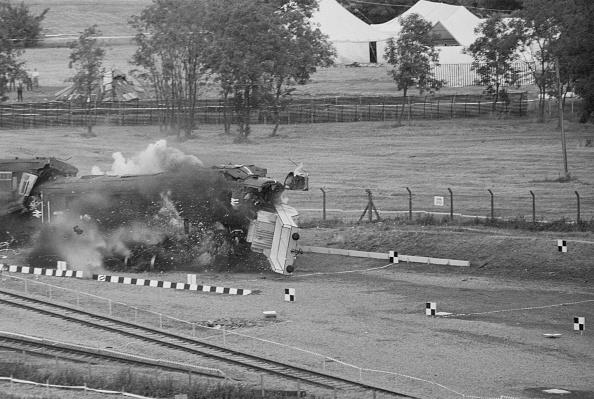 Terry Disney「CEGB Nuclear Flask Train Crash Test」:写真・画像(1)[壁紙.com]