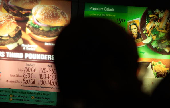 Unhealthy Eating「NYC Begins Enforcement Of Calorie Count Postings At Chain Restaurants」:写真・画像(14)[壁紙.com]