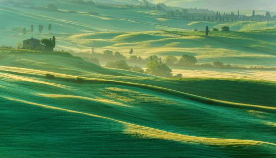 春「典型的なトスカーナの風景」:スマホ壁紙(15)