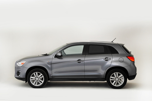 Side View「2013 Mitsubishi ASX」:写真・画像(3)[壁紙.com]