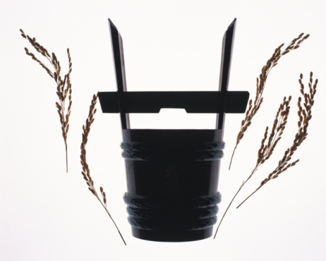 Sake「Japanese bucket for Sake and rice plants, front view, white background」:スマホ壁紙(1)