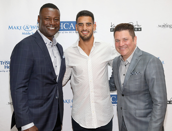 Marcus Mariota「17th Annual Waiting for Wishes Celebrity Dinner」:写真・画像(11)[壁紙.com]
