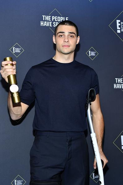 45th People's Choice Awards「2019 E! People's Choice Awards - Press Room」:写真・画像(9)[壁紙.com]