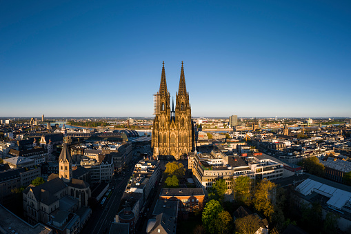 Gothic Style「Cologne Cathedral at sunset」:スマホ壁紙(4)