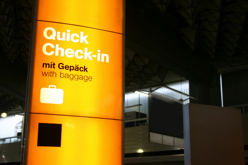 Airport Check-in Counter「Quick check in with luggage」:スマホ壁紙(18)