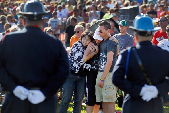 Missouri「Joplin, Missouri Marks One Year Anniversary Of Deadly Tornado」:写真・画像(12)[壁紙.com]