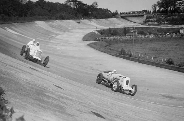 Race Car Driver「Sunbeam of EL Bouts and Vauhall 30/98 of RJ Munday, BARC meeting, Brooklands, 16 May 1932」:写真・画像(19)[壁紙.com]