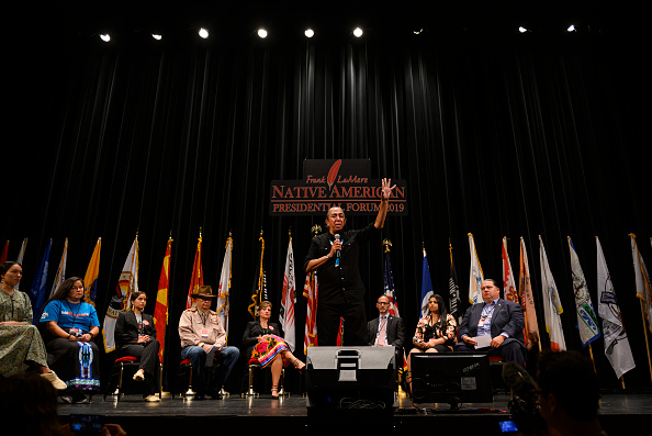 Presidential Election「Democratic Presidential Candidates Attend Frank LaMere Native American Presidential Forum In Iowa」:写真・画像(11)[壁紙.com]