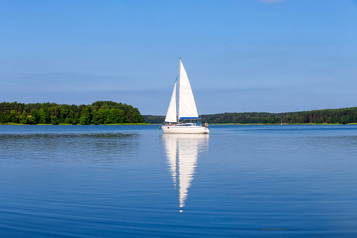 Yacht「Vacation in Poland - sailboat on the Niegocin lake, Masuria」:スマホ壁紙(8)