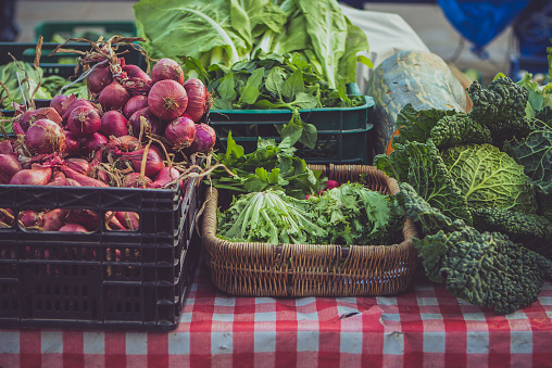 Market Stall「Vegetables at local farmer market, Portugalete, Spain」:スマホ壁紙(12)