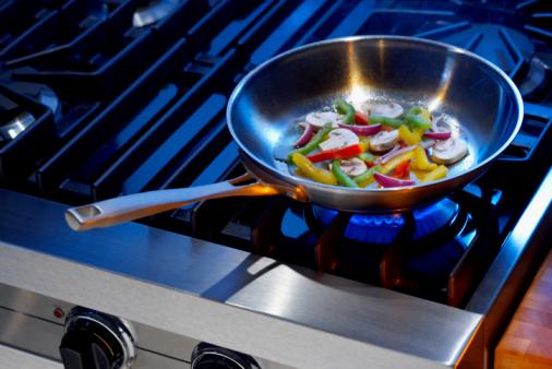 Preparing Food「Vegetables in frying pan」:スマホ壁紙(2)
