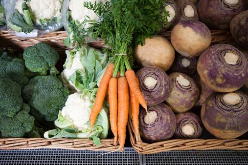 Turnip「Vegetables in supermarket」:スマホ壁紙(10)