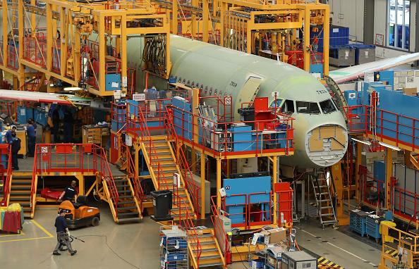 乗り物・交通「Airbus A320 Assembly At Hamburg Factory」:写真・画像(6)[壁紙.com]
