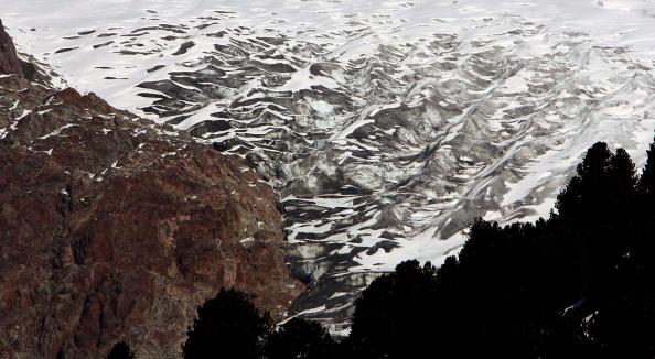 アレッチ氷河「Aletsch Glacier Retreat Continues」:写真・画像(16)[壁紙.com]