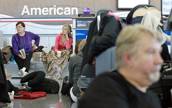 Kennedy Airport「New Volcano Ash Cloud Keeps Travelers Stranded in U.S.」:写真・画像(17)[壁紙.com]