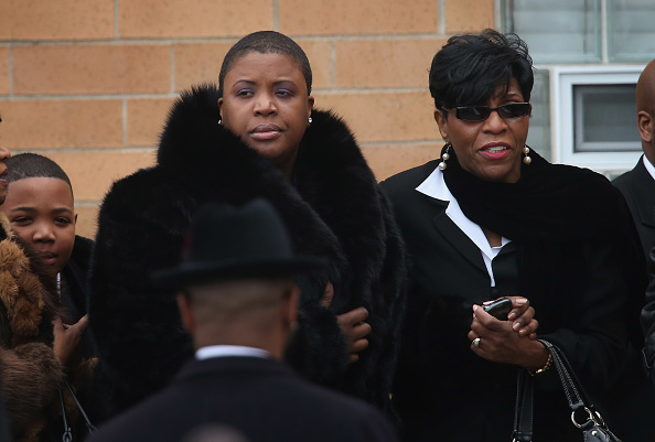 Scott Olson「Funeral Held For Teen Girl Killed At Chicago Playground」:写真・画像(14)[壁紙.com]