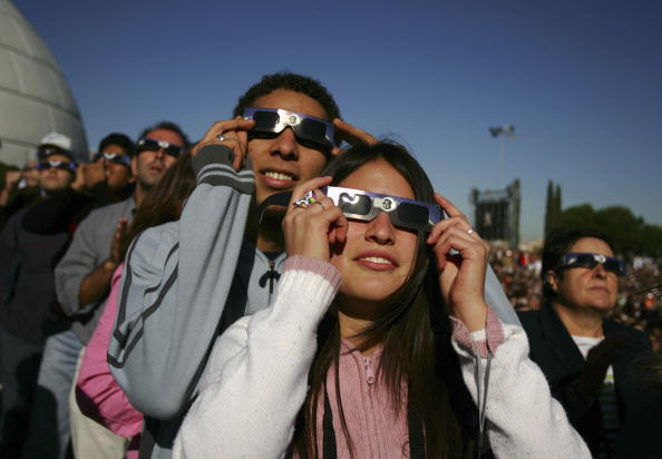 Annular Solar Eclipse「Partial Eclipse Casts Shadow Over Europe」:写真・画像(10)[壁紙.com]