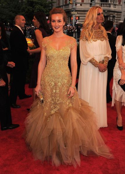 "Gold Purse「""Schiaparelli And Prada: Impossible Conversations"" Costume Institute Gala」:写真・画像(5)[壁紙.com]"