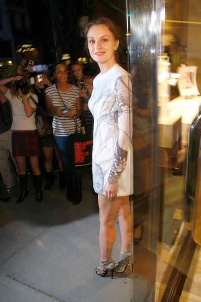 Mini Dress「Roger Vivier Celebrates Fashion's Night Out and It's New Fragrances」:写真・画像(19)[壁紙.com]