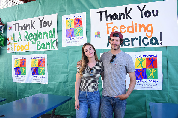アダム・ブロディ「Celebrity Friends Volunteer At Feeding America's Summer Hunger Awareness Event At Para Los Ninos in Los Angeles」:写真・画像(9)[壁紙.com]