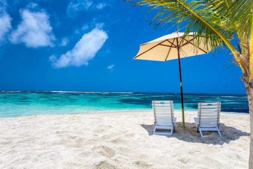 Bahamas「Relaxing tropical Caribbean island beach umbrella and chairs」:スマホ壁紙(13)