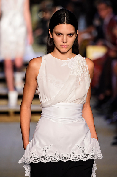 Sleeveless Top「Givenchy - Runway - Spring 2016 New York Fashion Week」:写真・画像(3)[壁紙.com]