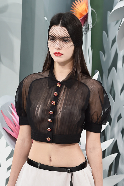 Pascal Le Segretain「Chanel : Runway - Paris Fashion Week - Haute Couture S/S 2015」:写真・画像(4)[壁紙.com]