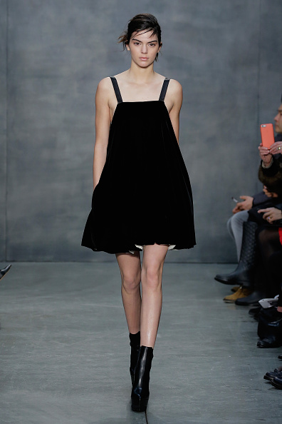 Black Color「Vera Wang Collection - Runway - Mercedes-Benz Fashion Week Fall 2015」:写真・画像(4)[壁紙.com]