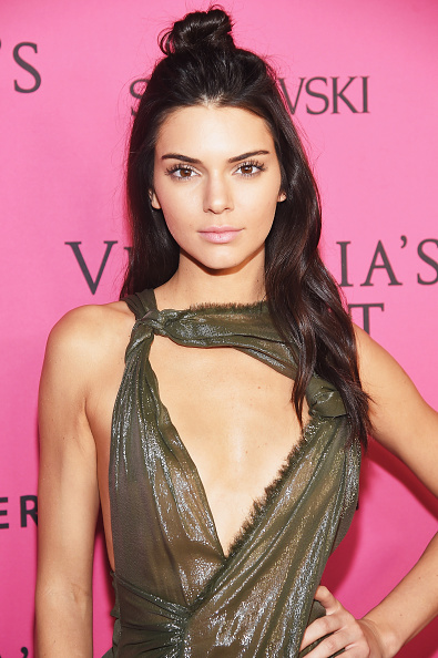 上半身「2015 Victoria's Secret Fashion After Party - Pink Carpet Arrivals」:写真・画像(1)[壁紙.com]