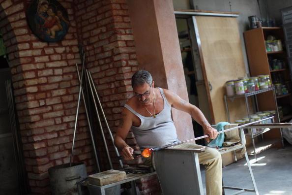 花瓶「Traditional Venetian Glass Blowers Practice Their Craft」:写真・画像(9)[壁紙.com]