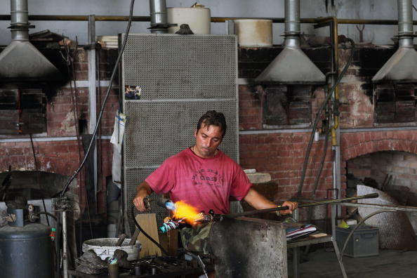花瓶「Traditional Venetian Glass Blowers Practice Their Craft」:写真・画像(18)[壁紙.com]