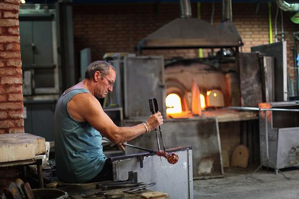 花瓶「Traditional Venetian Glass Blowers Practice Their Craft」:写真・画像(15)[壁紙.com]