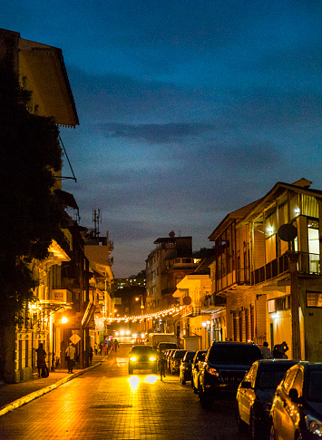 17th Century「Shot at dusk, Casco Viejo also called Casco Antiguo, Panama City's Old Quarter established in 1673, with its old buildings, cars and unrecognizable persons in background.」:スマホ壁紙(14)