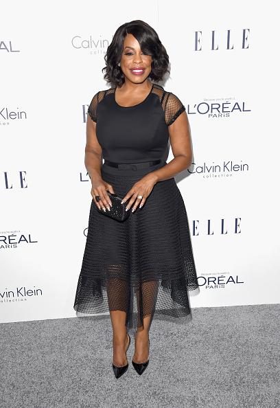 Mid Calf Length「The 22nd Annual ELLE Women In Hollywood Awards - Arrivals」:写真・画像(15)[壁紙.com]