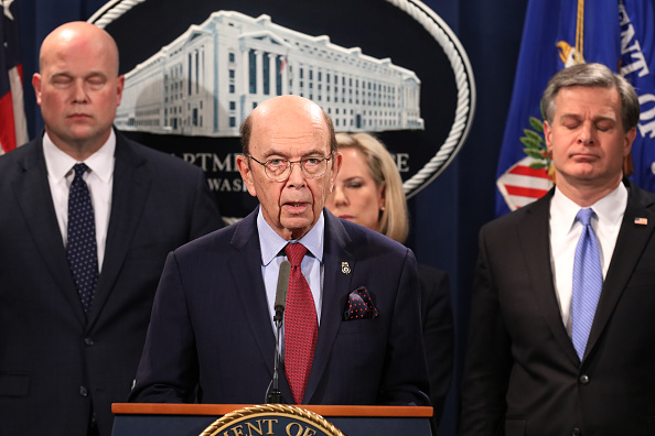 Wilbur Ross「Acting Attorney General Matthew Whitaker Holds News Conference To Announce A Law Enforcement Against China」:写真・画像(2)[壁紙.com]