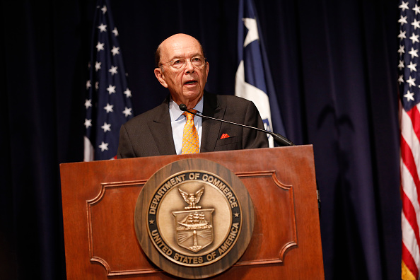 Wilbur Ross「Wilbur Ross Addresses Department Of Commerce Employees」:写真・画像(5)[壁紙.com]