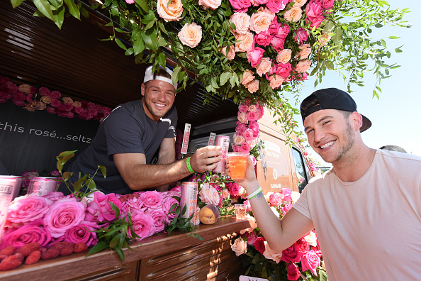 Raspberry「Smirnoff Seltzer Sponsors Fizz Fight - First Ever Hard Seltzer Festival」:写真・画像(16)[壁紙.com]