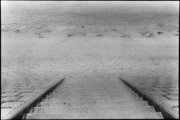 Diminishing Perspective「Steps At Stanley Beach」:写真・画像(16)[壁紙.com]