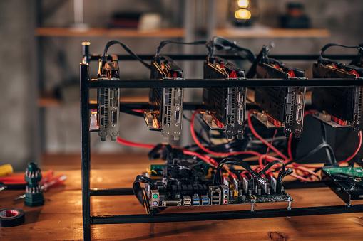 Mother Board「Bitcoin mining rig」:スマホ壁紙(13)