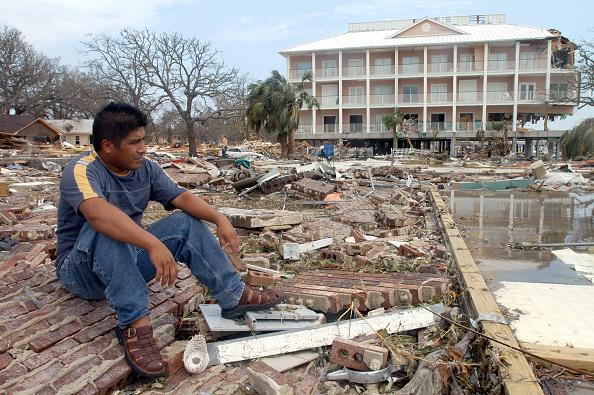 Environmental Cleanup「Hurricane Katrina's Devastation Apparent As Toll Mounts」:写真・画像(16)[壁紙.com]
