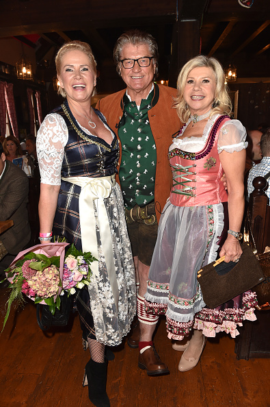 縦位置「Charity Lunch At 'Zur Bratwurst' - Oktoberfest 2017」:写真・画像(17)[壁紙.com]