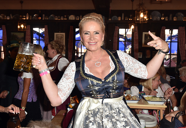 横位置「Charity Lunch At 'Zur Bratwurst' - Oktoberfest 2017」:写真・画像(16)[壁紙.com]