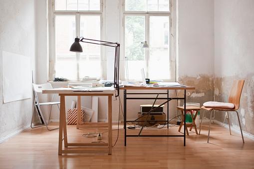 Desk Lamp「Empty office」:スマホ壁紙(3)