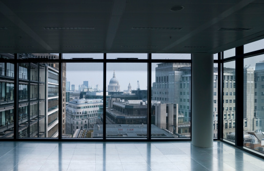 Cityscape「Empty office, overlooking St Paul's, London」:スマホ壁紙(10)